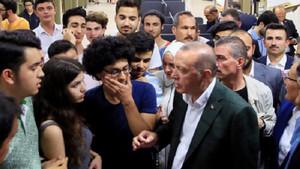 Erdoğan: Ben kıraathane diyorum o kumarhane diyor