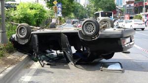 Beşiktaş'ta inanılmaz kaza! Araç takla attı