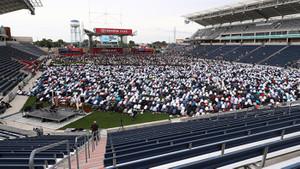 ABD'de ilginç Bayram namazı! Stadyumu doldurdular
