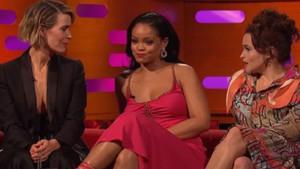 Rihanna: Bunu annem de izleyecek, özür dilerim anne