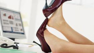 Topuklu ayakkabı ile rahat etmenizi sağlayacak 14 tavsiye