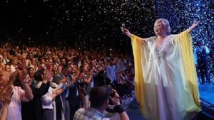 Emel Sayın ve Emre Altuğ'dan Bursa'da unutulmayacak konser