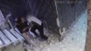 Türkü barın girişinde genç kadına taciz