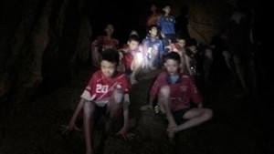 Tayland'da mağarada mahsur kalan çocukları kurtarma çalışmalarından acı haber