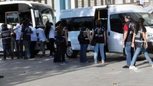 Denizli'de internet üzerinden cinsel ilişki dolandırıcılığına 26 gözaltı