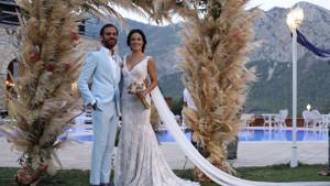 İşte Erkan Kolçak Köstendil ile Cansu Tosun'un düğününden renkli kareler