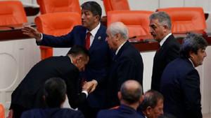 Devlet Bahçeli'nin davet ettiği İYİ Parti Milletvekili Hayati Arkaz MHP'ye geçti