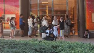 Dolar krizi yabancı turiste yaradı: Lüks AVM'lerde uzun kuyruklar
