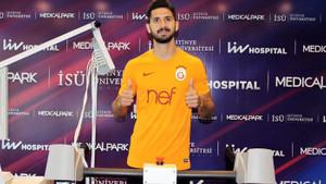 Galatasaray'ın yeni transferi Emre Akbaba sağlık kontrolünden geçti