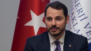 Berat Albayrak: Yanlışta ısrarın Türk ekonomisine etkisi sınırlı olur
