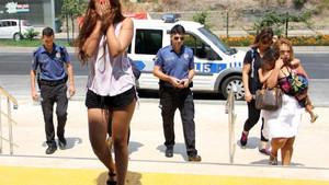 Mini etekli kadın hırsızlar İranlı çıktı