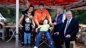 Şahan Gökbakar engelli hayranıyla film setinde buluştu