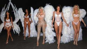 Kim Kardashian ve kardeşlerinin podyum yürüyüşü
