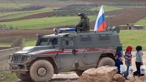 Rus ordusu YPG ile ortak devriye geziyor
