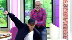 Tarık Mengüç ve oğlundan canlı yayında olay dans