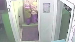 Sibirya'da kreşten kaçan beş yaşındaki kızlar -45 derecede hayatta kaldı