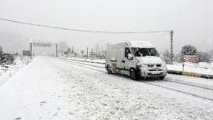 Antalya'nın doğusunda fırtına ve kar