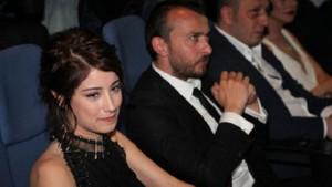 Hazal Kaya ve Ali Atay'ın düğün davetiyesi tepki çekti