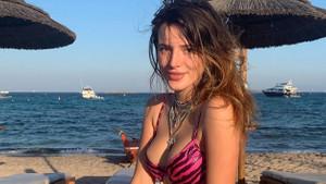 Bella Thorne yeni yaşını sahilde kutladı