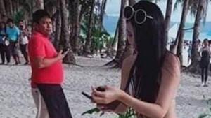 Kadın turist string bikinisi yüzünden gözaltına alındı