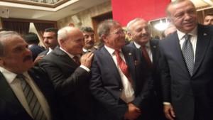 Erdoğan ve İYİ Partili vekillerin dikkat çeken bol kahkaha dolu sohbeti