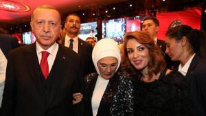 Katil devlet diyen Nagehan Alçı'nın devletin zirvesiyle imaj pozları