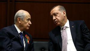 Anket sonuçları beklentileri karşılamadı, AK Parti ve MHP yeni strateji belirledi