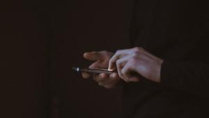 Rus bilim insanları, cep telefonu mesajlarını dokunsal alfabeye dönüştüren cihaz geliştirdi