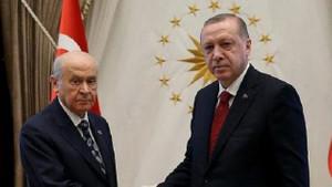 Cumhur İttifakı'nı üzecek araştırma: MHP seçmeninin ilk tercihi CHP