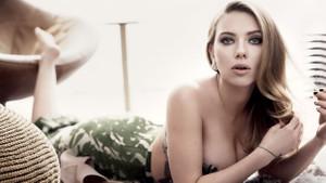 Scarlett Johansson ölümden döndü paparazzilere sapık dedi!