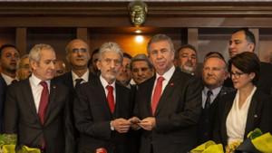 Ankara'da 25 yıl sonra Belediye Başkanlığı CHP'ye geçti
