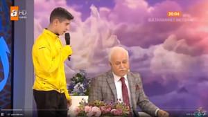 13 yaşındaki çocuk Nihat Hatipoğlu'nu görünce din değiştirdi