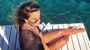 Seksi sunucu Özlem Yıldız bikini sezonunu açtı