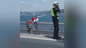 Davutoğlu'nun köprü olayı sosyal medyayı salladı