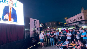 Kadıköy canlı yayını meydanlarda izliyor