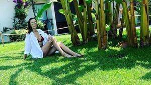 Pınar Tezcan fit vücuduyla dikkat çekiyor