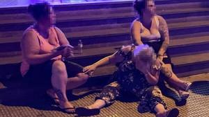 Yaşlı İngilizlerin çılgınlar gibi eğlendiği tatil beldesi Costa Blanca