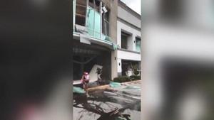 ABD'de AVM'de patlama: Olay yeri savaş alanına döndü