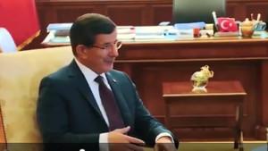 Sosyal medyayı sallayan Davutoğlu videosu: Kul Ahmet'in ceketi