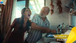 Emine Bulut cinayetinin ardından Aşk Ağlatır dizisine tepki yağdı!