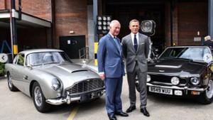Prens Charles'a James Bond'dan rol teklifi