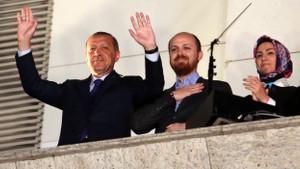 Davutoğlu ekibi: Erdoğan'ın ailesi yönetimden çekilmeli!