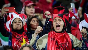 İranlı kadın stadyum yasağı nedeniyle kendini yaktı