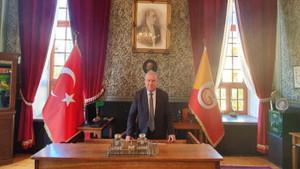 Galatasaray Lisesi müdürü, Fenerbahçe üyeliğinden istifa etti