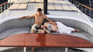 Gamze Erçel'in göbek şov yorumlu fotoğrafına beğeni yağdı!
