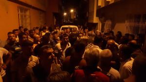 Adana'da 11 yaşındaki çocuğu taciz eden şahsın evini yakmaya çalıştılar