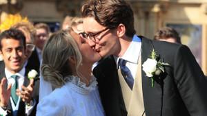 Şarkıcı Ellie Goulding prenseslere özgü bir düğünle evlendi!