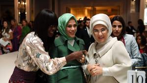Emine Erdoğan New York Fashion Design defilesine katıldı