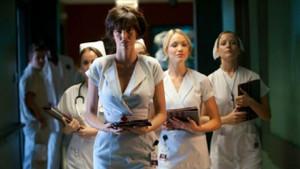Türlü türlü insanla uğraşan hemşirelerin itirafları