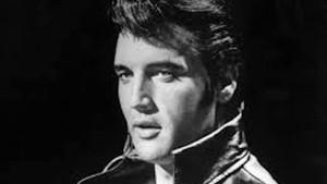 Elvis Presley 1977'de ölmedi mi?